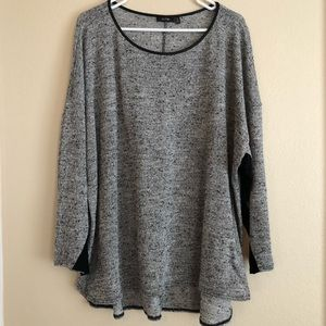 Apt. 9 Black and White knit top size 3X
